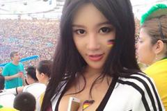 借足球上位的国产美女