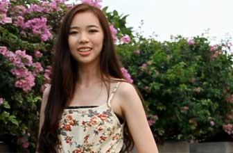 清新美女演绎青春少女