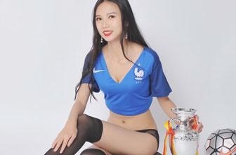 美丽足球宝贝魅惑诱人