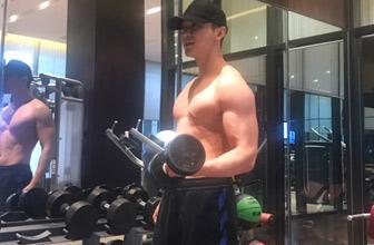 李晨健身腹肌健硕身材超有料