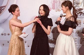 杨乃文现场演唱超带范